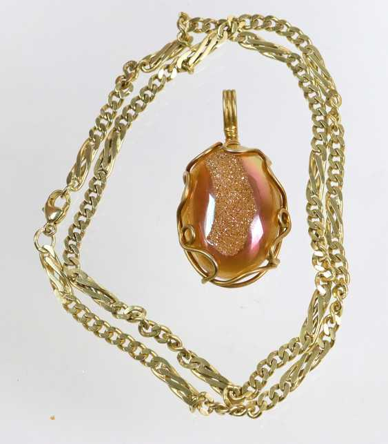 Glitter quartz pendant on chain - photo 1