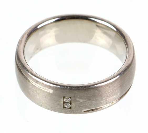 Дизайн кольца с бриллиантами - фото 1