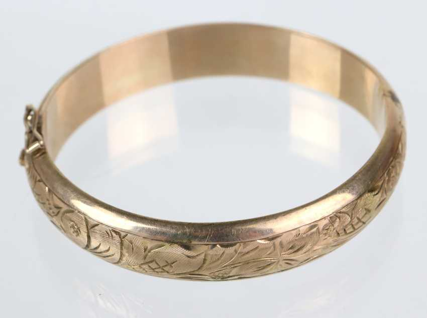 Bangle with Vienna engraving - yellow gold 333 - photo 1