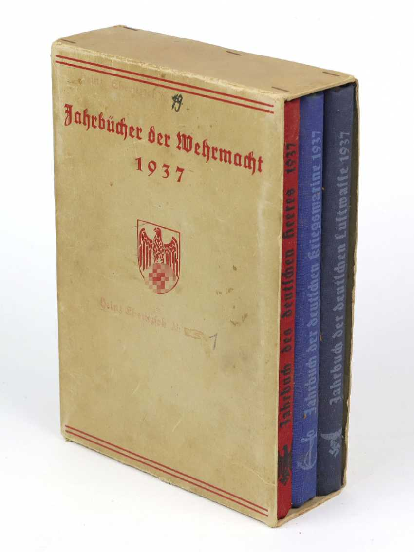 Yearbooks of the Wehrmacht - photo 1