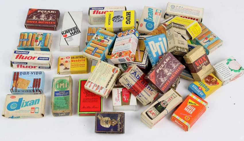Mixed lot of shop boxes - photo 1