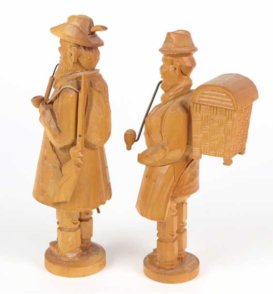 2 carved smokers - photo 2