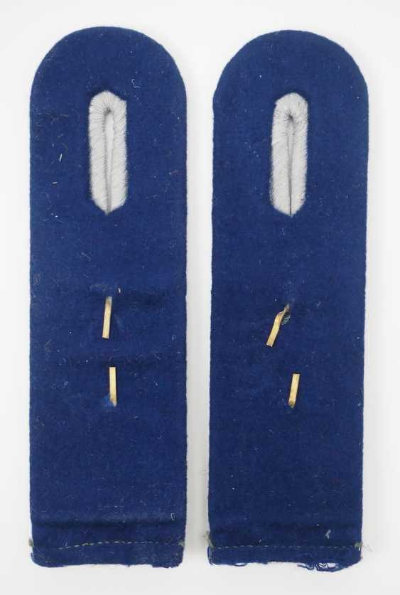 Wehrmacht: Pair of shoulder pieces for an assistant doctor. - photo 2