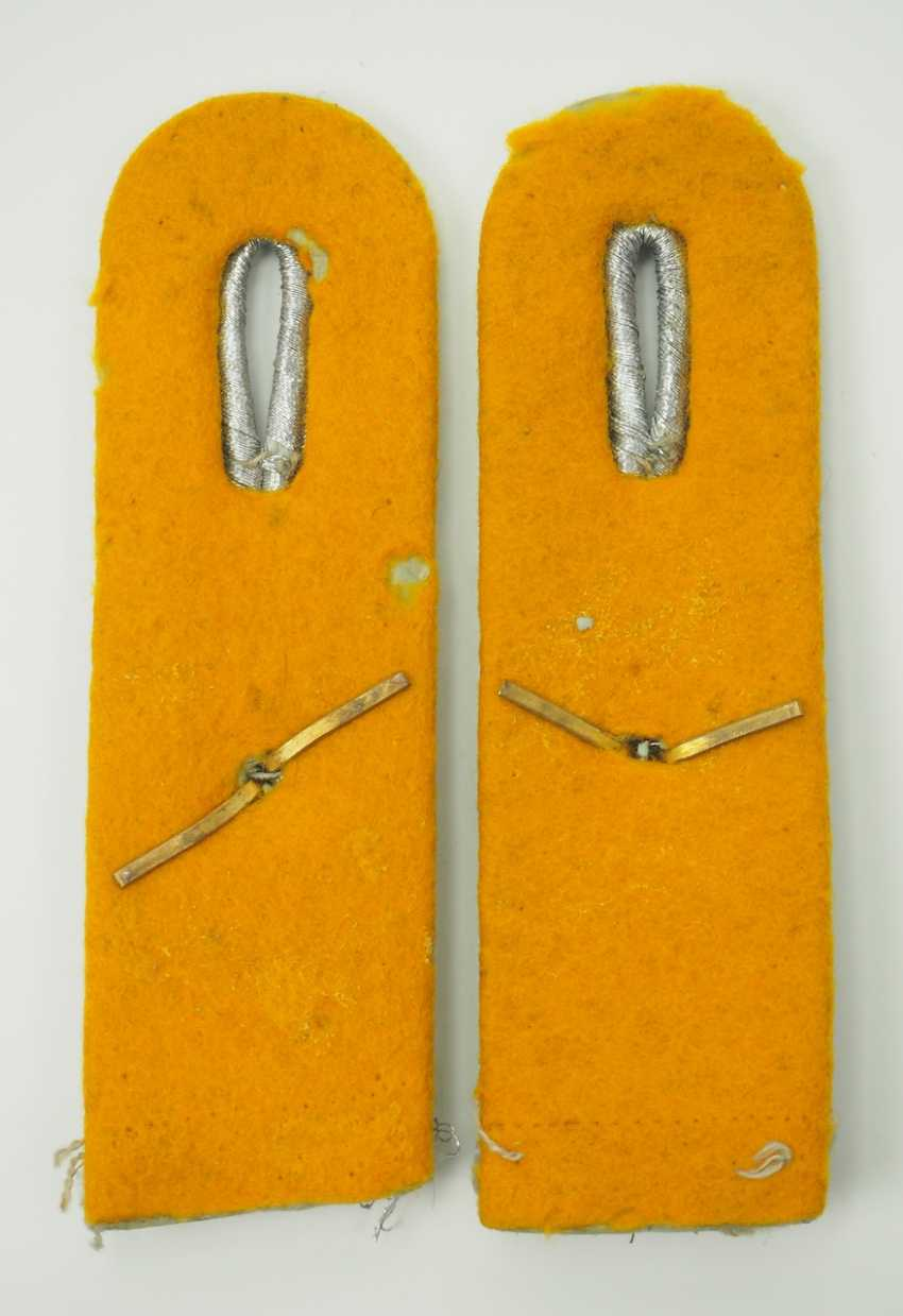 Luftwaffe: Pair of shoulder boards for a first lieutenant in the air force. - photo 2