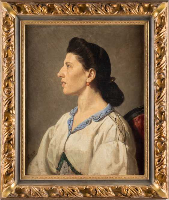 Portrait of an Italian woman - photo 2