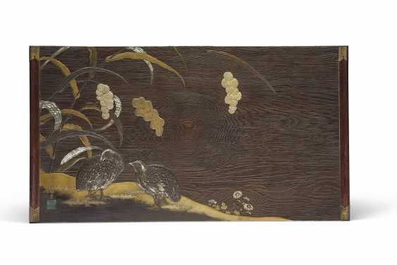 A LACQUER WRITING BOX (SUZURIBAKO) AND MATCHING WRITING TABL... - photo 2
