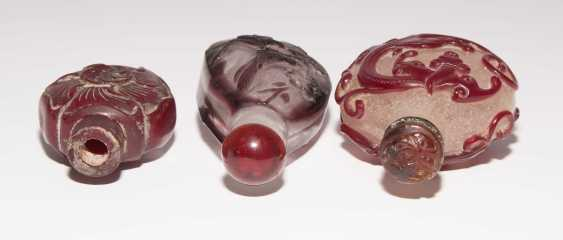6 flashed glass snuff bottles - photo 12