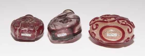 6 flashed glass snuff bottles - photo 13