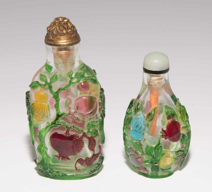 5 flashed glass snuff bottles - photo 2