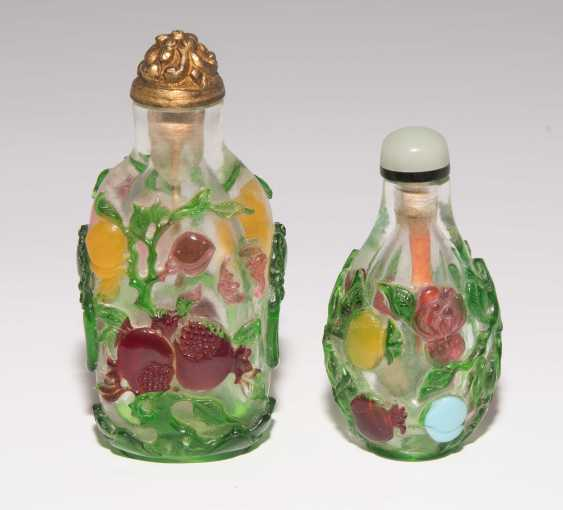 5 flashed glass snuff bottles - photo 9