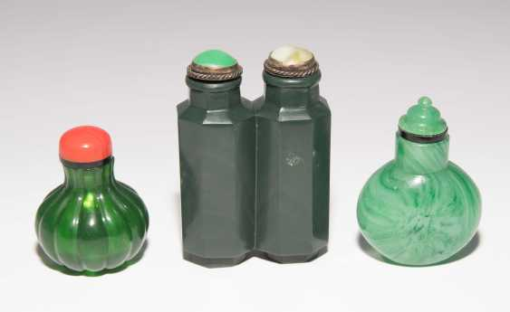 8 Snuff Bottles - photo 10