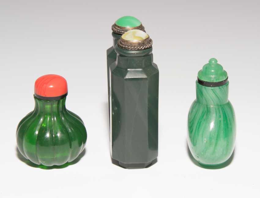 8 Snuff Bottles - photo 11