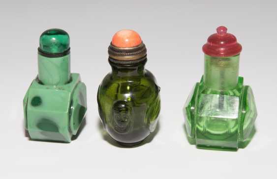 8 Snuff Bottles - photo 17