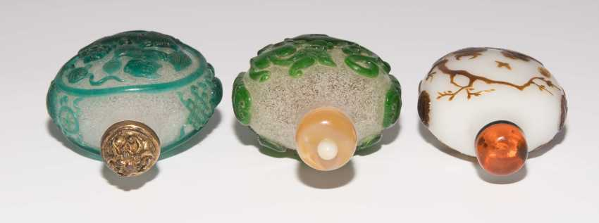 5 flashed glass snuff bottles - photo 5