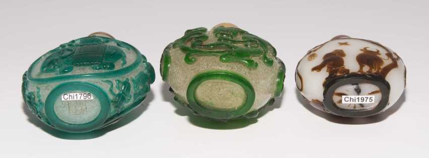 5 flashed glass snuff bottles - photo 6