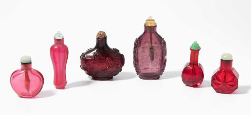 6 Glas Snuff Bottles - photo 1