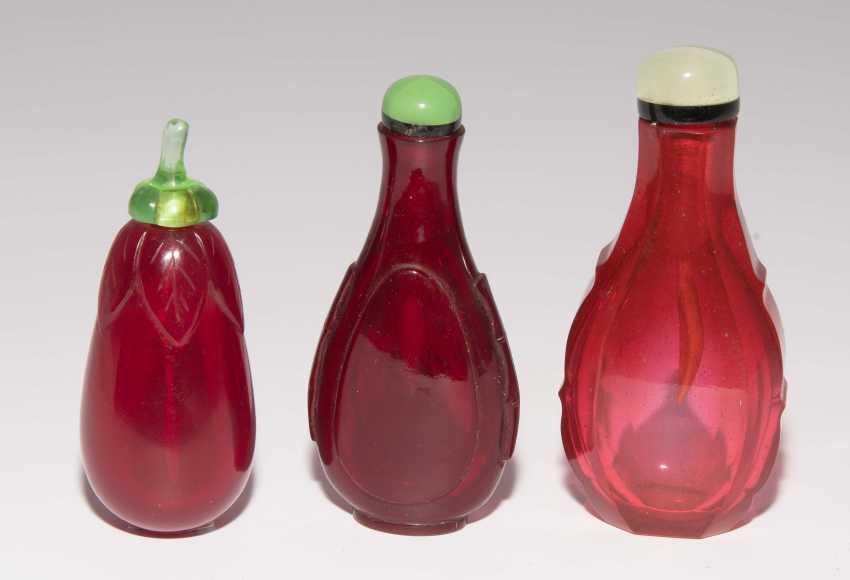 6 Snuff Bottles - photo 2