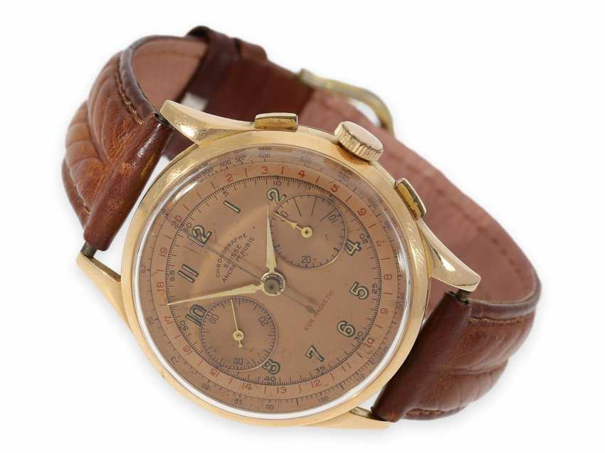 "Watch: red gold ""oversize"" chronograph with a very nice ""Salmon"" dial and red lettering ""Non Magnetic"", Switzerland 1940s - photo 1"