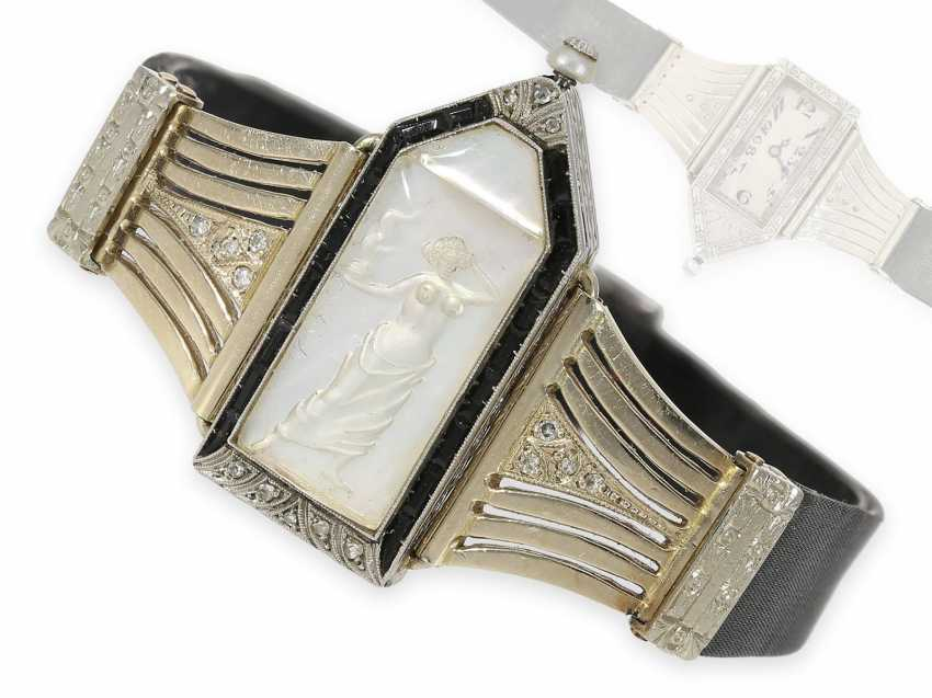 Wrist watch: extremely rare Art Deco ladies watch with stones and an engraved glass insert, probably Lalique / Verger Freres around 1925 - photo 1