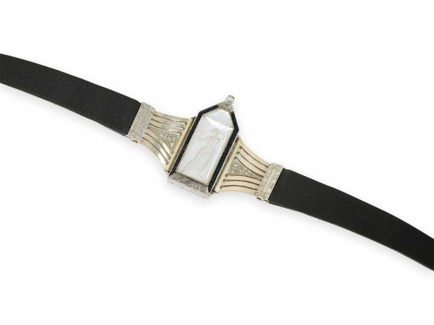 Wrist watch: extremely rare Art Deco ladies watch with stones and an engraved glass insert, probably Lalique / Verger Freres around 1925 - photo 3