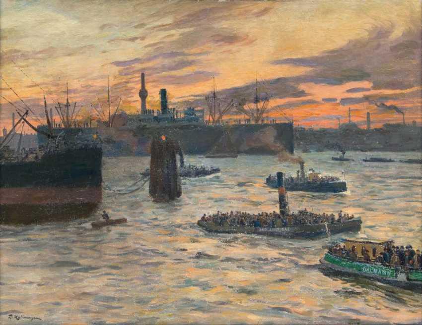 In the port of Hamburg - photo 1