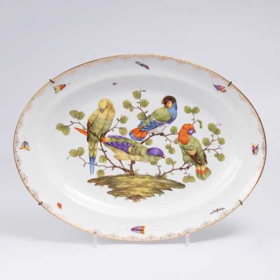Large oval platter with parrots - photo 1