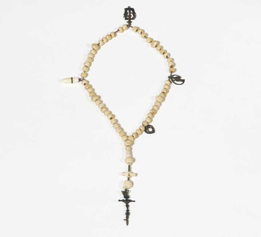 Rosary with a skull - photo 2