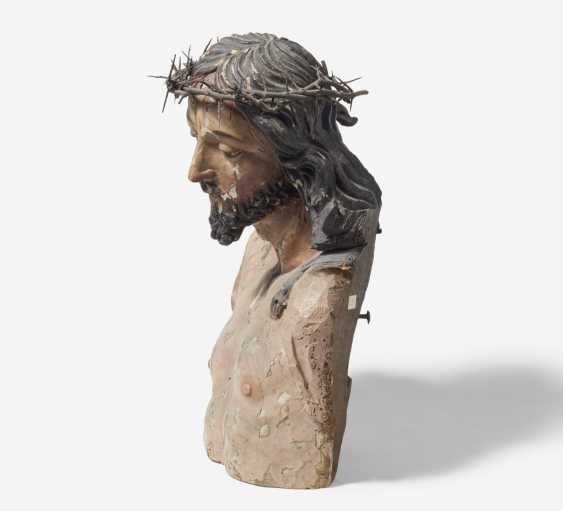 Bust of Christ with a crown of thorns - photo 2