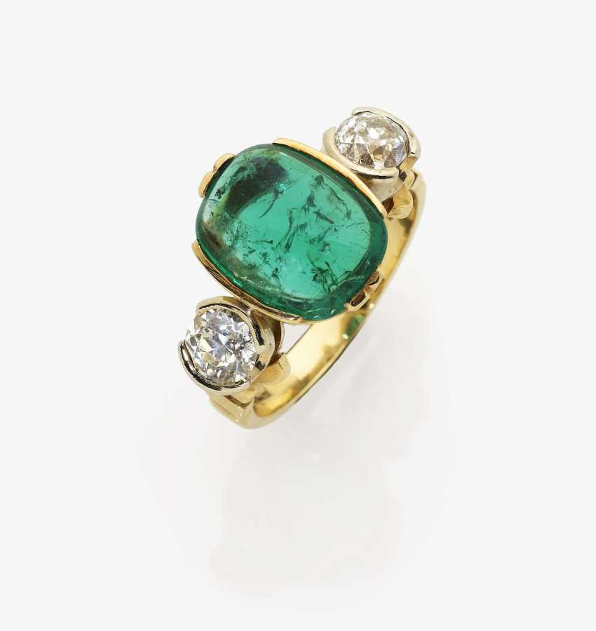 "Alliance ring with an ""Old Mine"" - emerald and diamonds - photo 1"
