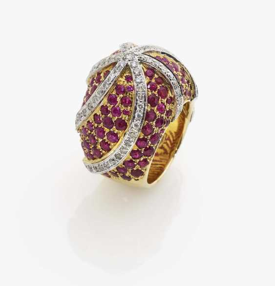 Ring with diamonds and rubies - photo 1
