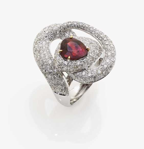 Ring with red tourmaline and diamonds - photo 2