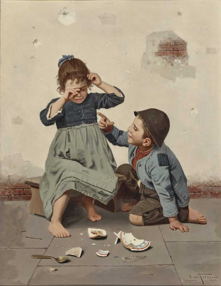 Two children eating - the broken shell - photo 2