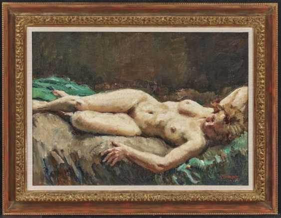 Reclining female nude - photo 2