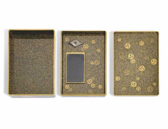 A TWO-TIERED SOMADA WRITING BOX (SUZURIBAKO) - photo 3