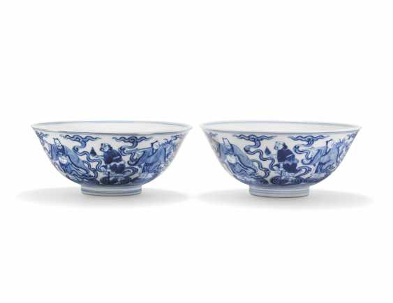 TWO CHINESE BLUE AND WHITE 'EIGHT IMMORTALS' BOWLS - photo 2