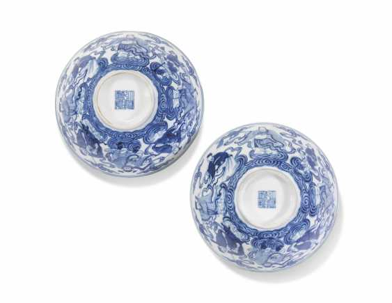 TWO CHINESE BLUE AND WHITE 'EIGHT IMMORTALS' BOWLS - photo 3