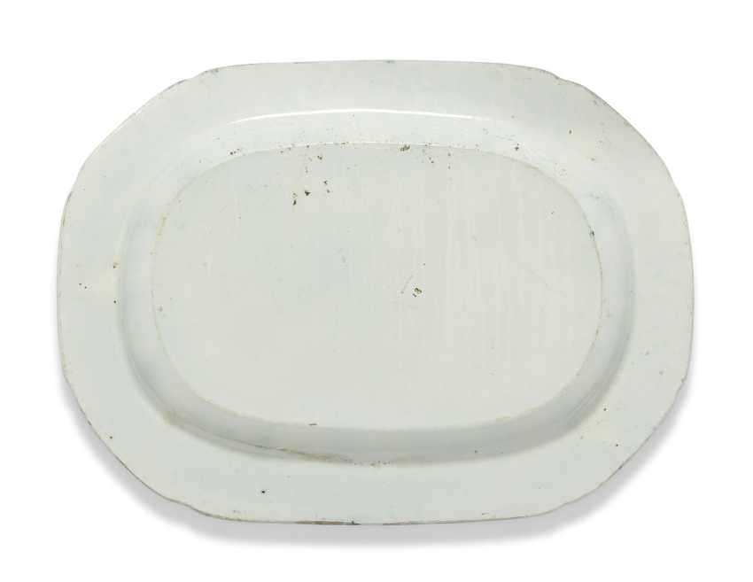 OLIVER MESSEL'S BLUE AND WHITE PLATTERS FROM MADDOX, BARBADOS:FIVE ENGLISH BLUE AND WHITE PLATTERS - photo 8