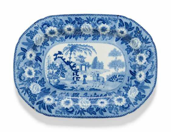 OLIVER MESSEL'S BLUE AND WHITE PLATTERS FROM MADDOX, BARBADOS:FIVE ENGLISH BLUE AND WHITE PLATTERS - photo 9