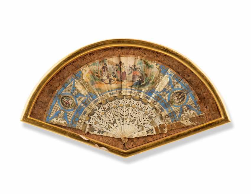 FOUR FANS FROM THE MESSEL-ROSSE FAN COLLECTION: FOUR GILTWOOD CASED FANS - photo 2