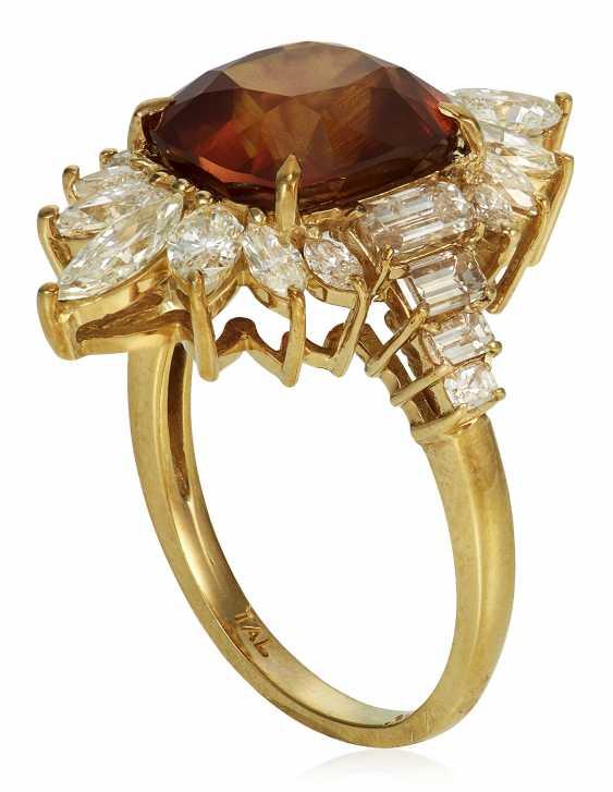 BROWNISH ORANGE SAPPHIRE AND DIAMOND RING WITH AGL SAPPHIRE BRIEF - photo 2