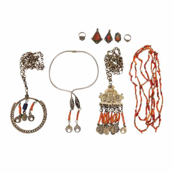 Collection of Kabyle Berber jewelry. NORTH EAST ALGERIA, 36 pieces - photo 2