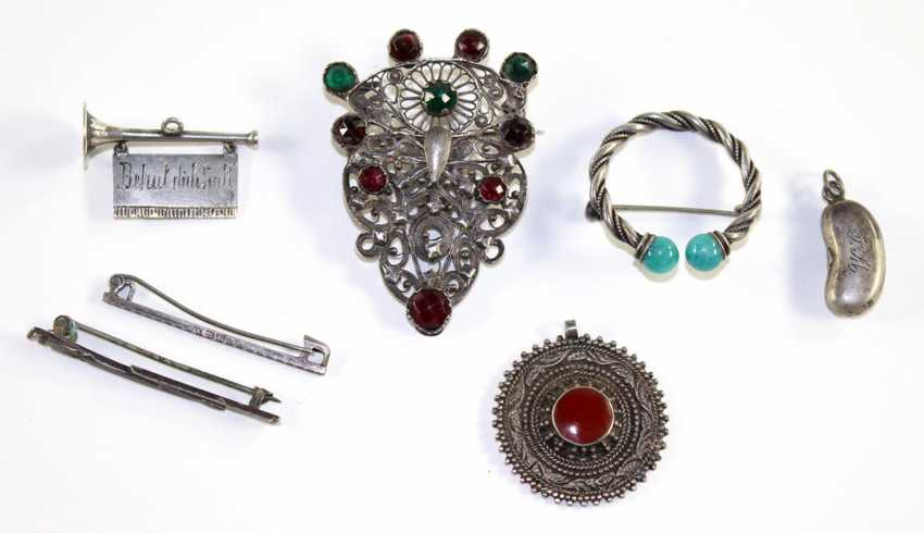 Antique jewelry and collectibles - photo 1