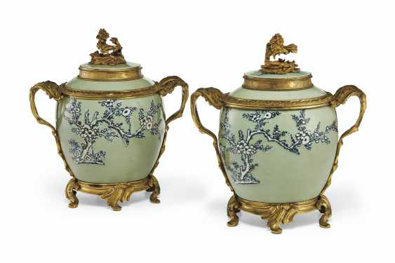 A PAIR OF LOUIS XV ORMOLU-MOUNTED CHINESE CELADON VASES WITH... - photo 1
