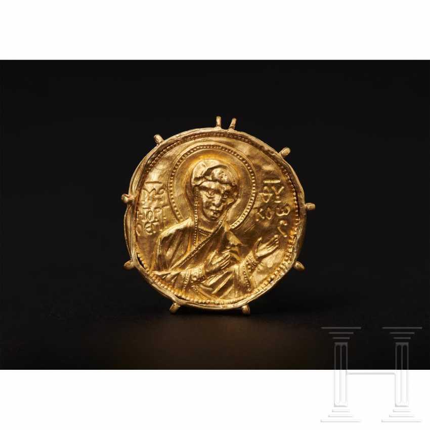 Expressive late Byzantine gold medallion, 13th century - photo 2