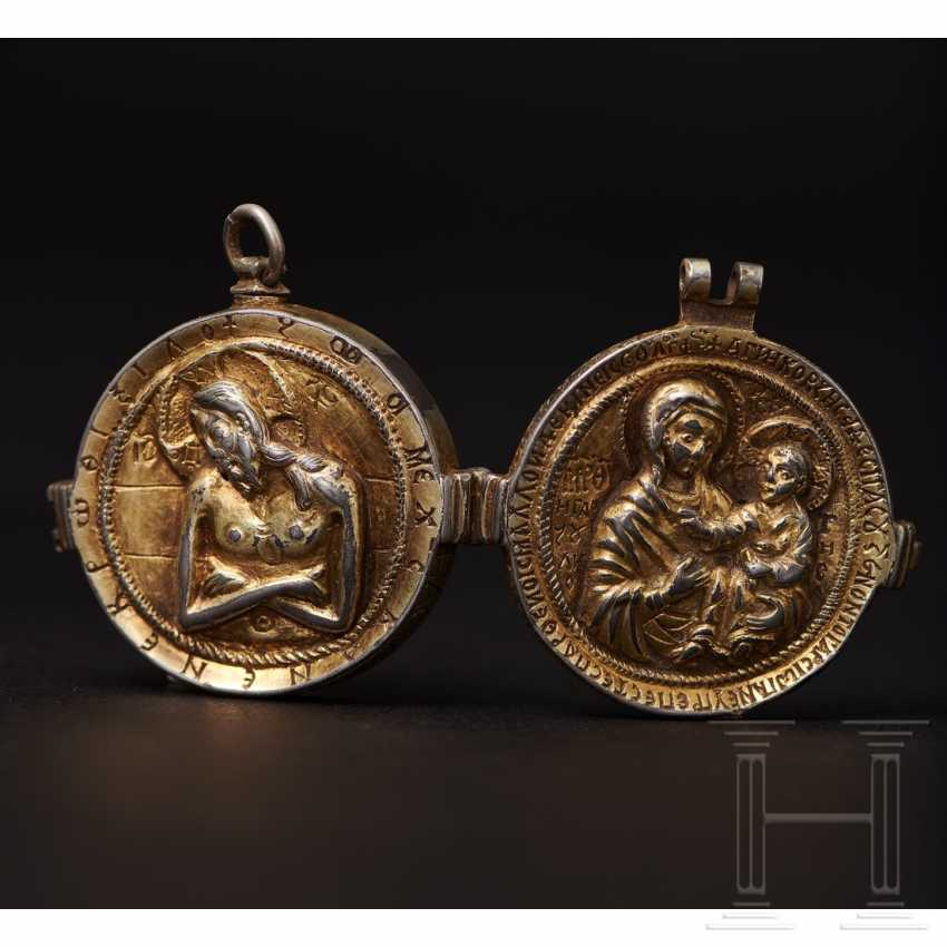 Important reliquary pendant, late Byzantine, 2nd half of the 14th - beginning of the 15th century - photo 9