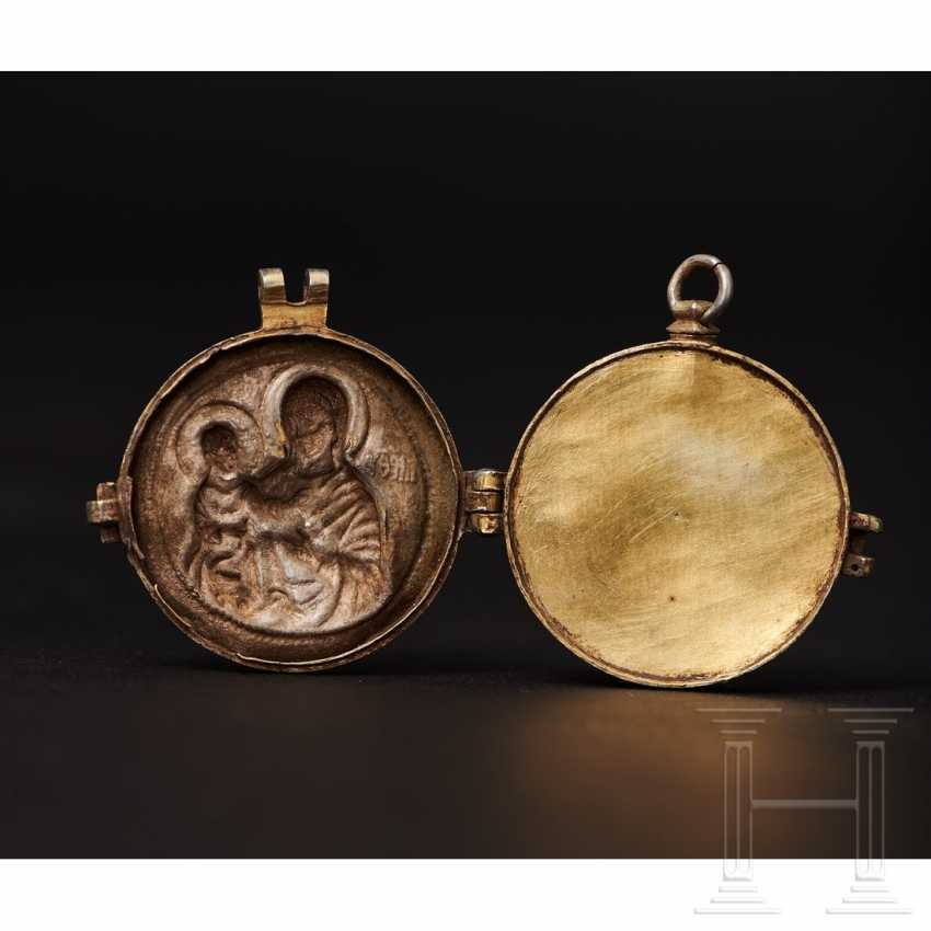 Important reliquary pendant, late Byzantine, 2nd half of the 14th - beginning of the 15th century - photo 10