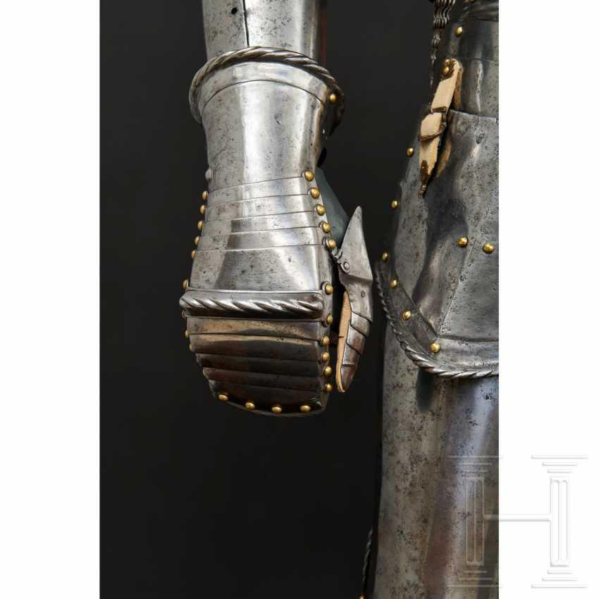Maximilian knightly armor, German, around 1510/20 - photo 2