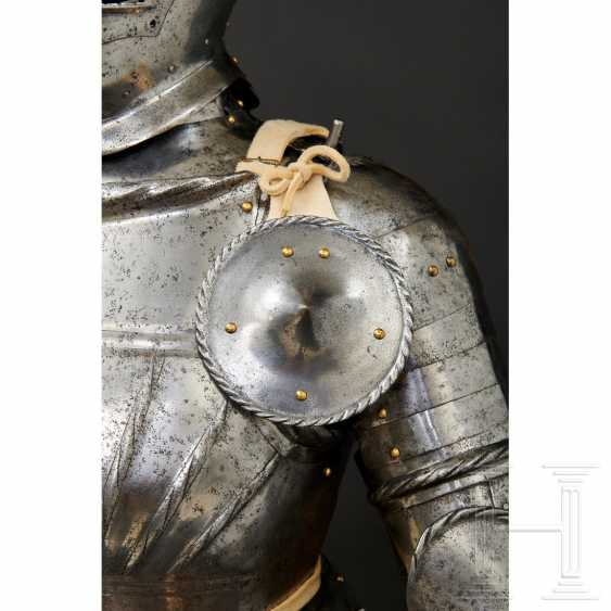 Maximilian knightly armor, German, around 1510/20 - photo 4