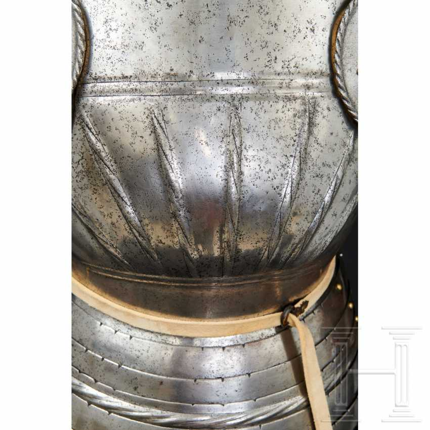Maximilian knightly armor, German, around 1510/20 - photo 6