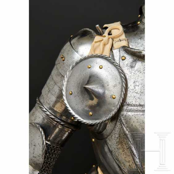 Maximilian knightly armor, German, around 1510/20 - photo 7